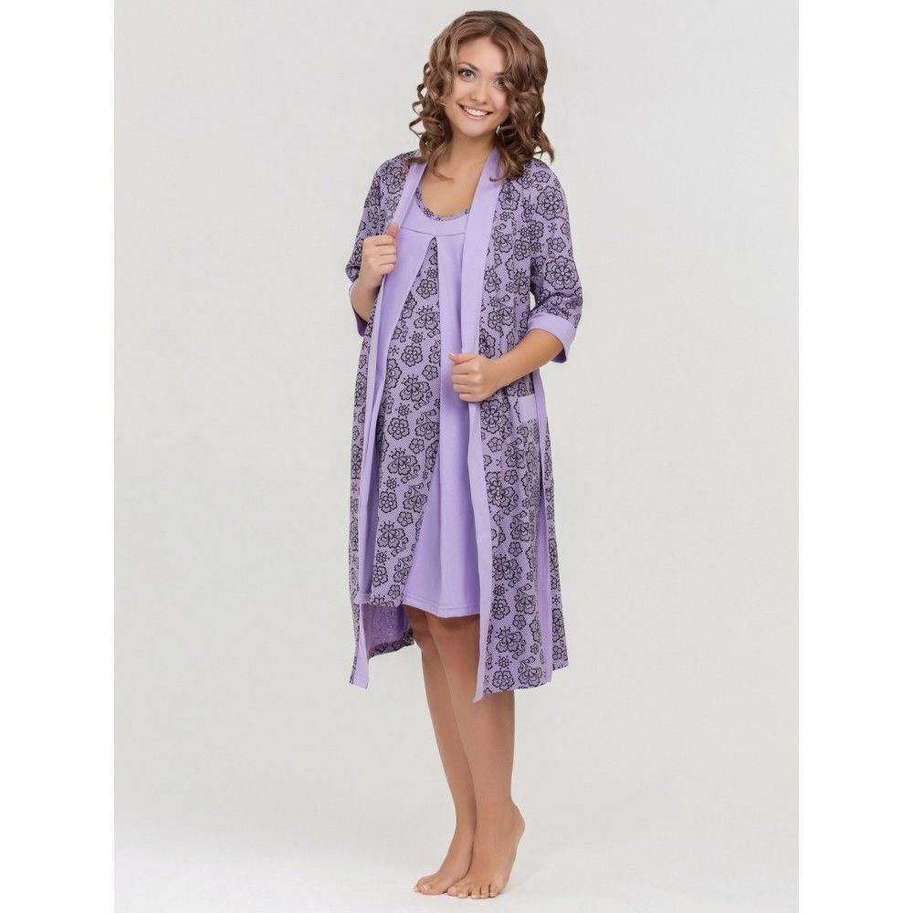 Комплект из халата и сорочки для беременных и кормящих мам выполнен из приятного эластичного хлопка.